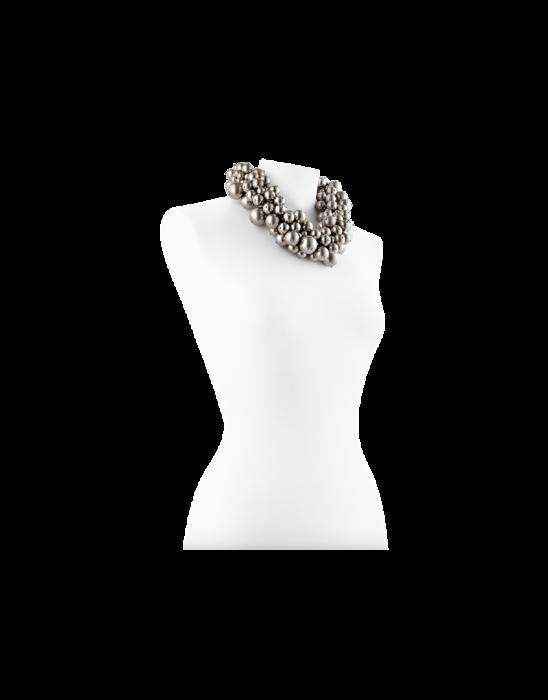 Collana con perle in metallo