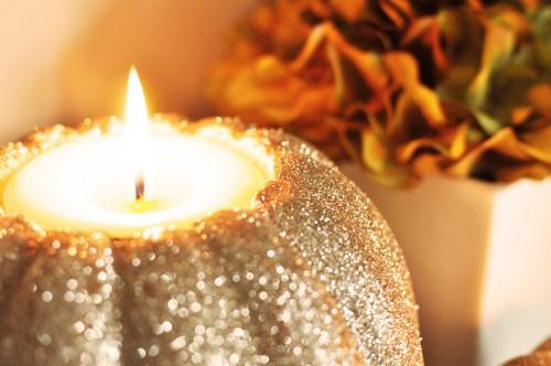 Zucca Dorata con candela dentro