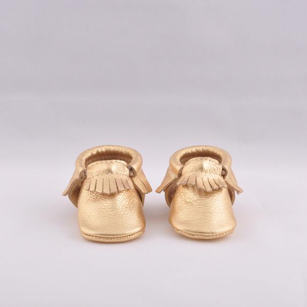 Mocassini color oro sono di www.shop.freshly-picked.com