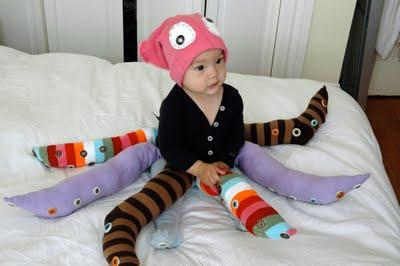 Vestitino da polipo fatto con calzini
