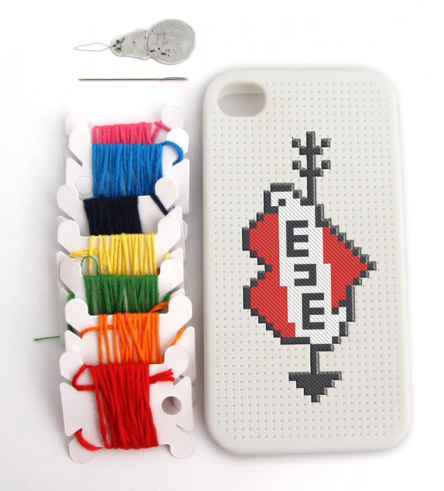 Thumbs Up Cross Stitch Iphone 4 su Amazon.it