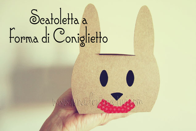 Scatoletta con forma di coniglietto (Rabbit shaped gift box 2217-S)