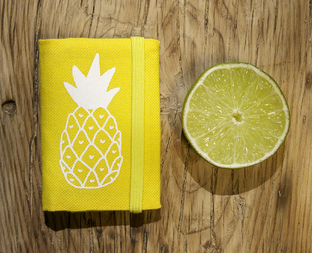 Yellow small wallet PIÑA Credit card holder di Olula - DaWanda