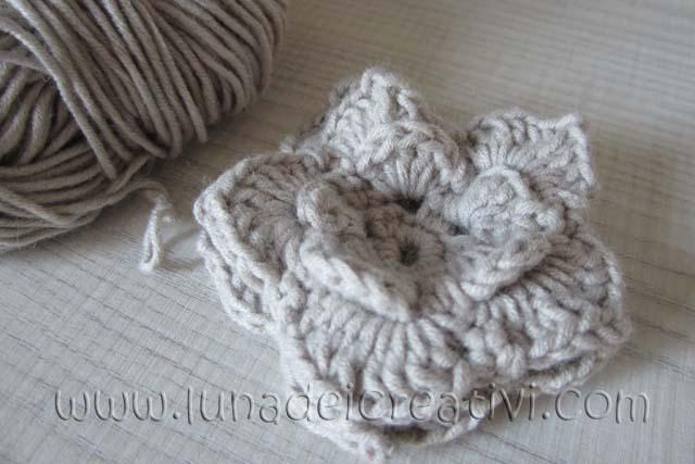 Fig. 10 - Ti piace la nostra Rosa a crochet??