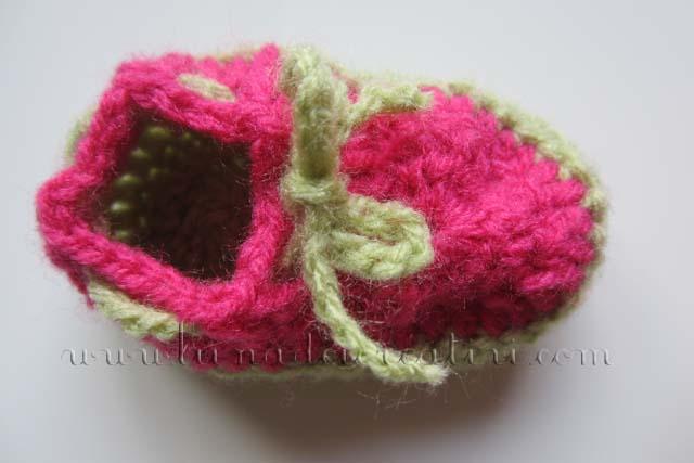 Scarpina da neonato (catenella di base 6 cm...